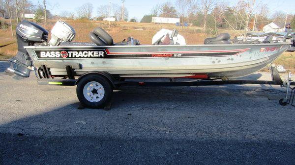 Tracker V-17