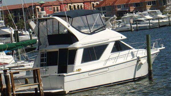 Bayliner 3988 Motoryacht Photo 1
