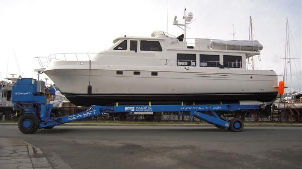 Navigator Californian Long Range Cruiser