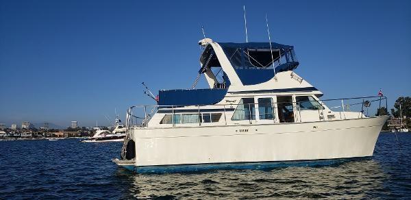 Tollycraft 34 Sundeck Cruiser