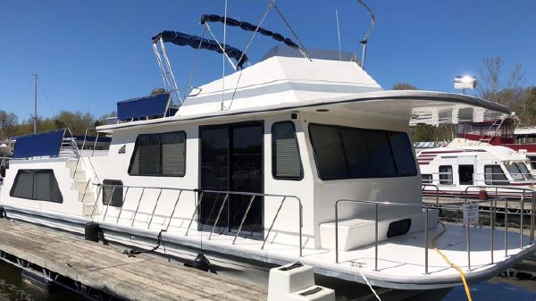Houseboat Wave Length Wide Body
