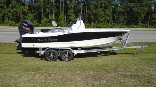 NauticStar 191 HYBRID