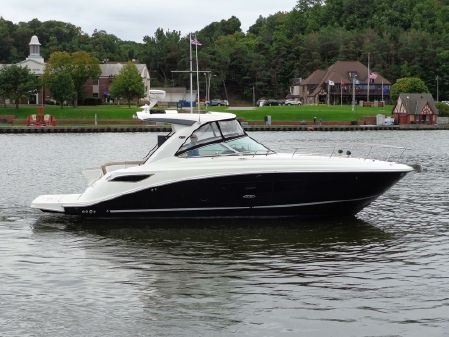 Sea Ray 350 Sundancer image