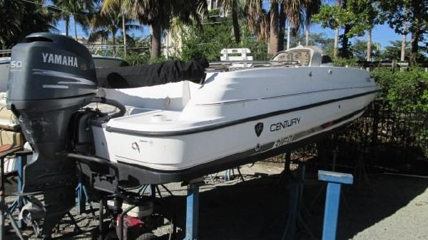 Century 2160 Deck Boat