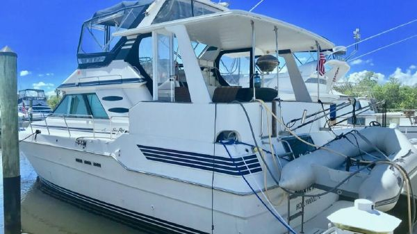 Sea Ray 415 Cruiser