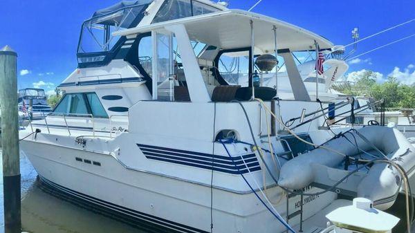 Sea Ray 415 Cruiser