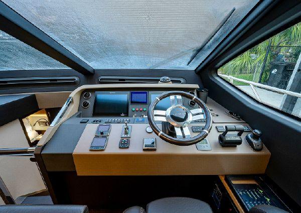 Azimut 66 FLY image