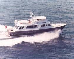 Palmer Johnson Cockpit Motoryacht