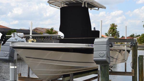 Sea Chaser 250 LX Bay Runner