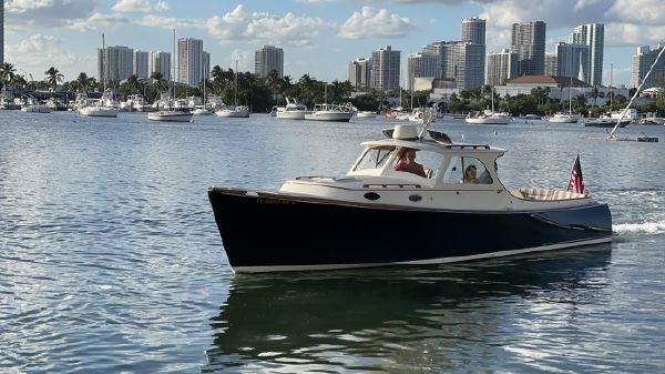 Hinckley 36 Picnic Boat Classic
