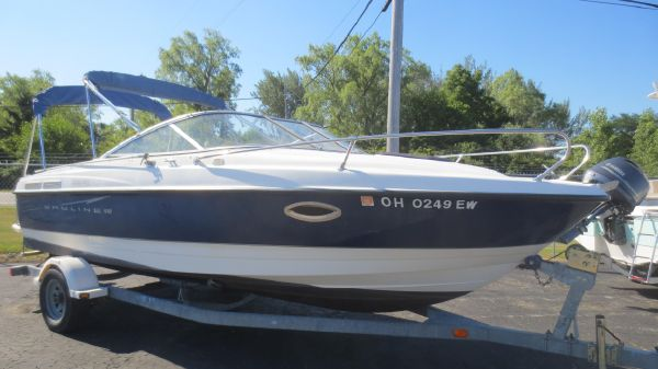 Bayliner Discovery 210