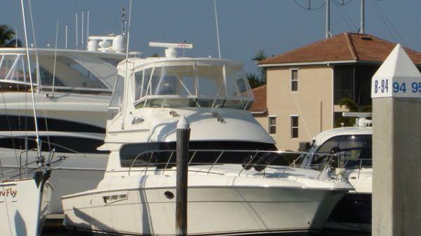 Silverton 42 Sportfish Photo 1