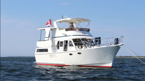 Marine Trader 38 Sundeck