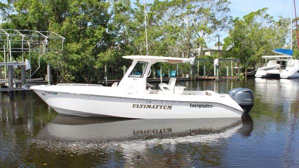 Everglades 295 Center Console