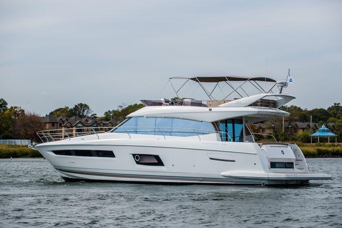 2015 Prestige Yachts 550 Fly