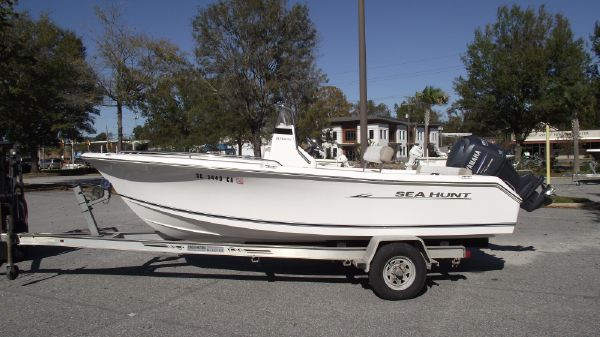 Sea Hunt 196 Triton Ultra