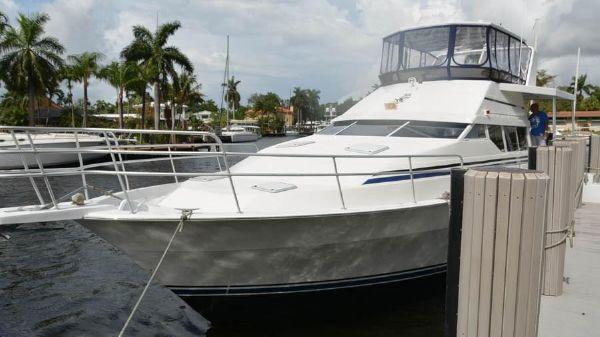 Mainship Sundeck Motor Yacht