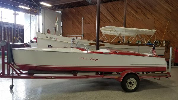 Chris-Craft 19 Red & White
