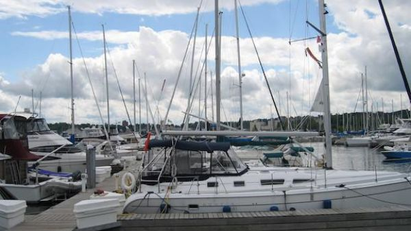 Catalina Sailboats & Jeanneau Yachts For Sale | Navy Point Yacht Sales