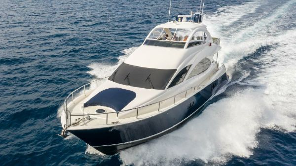 Lazzara 74 Motoryacht
