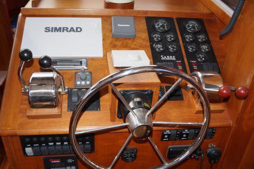 Sabre 36 Flybridge Sedan image