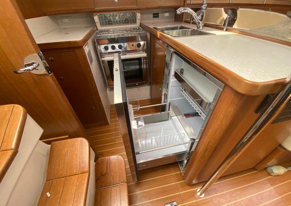 Catalina 425 image