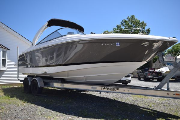 Regal 2700 ES Bowrider - main image