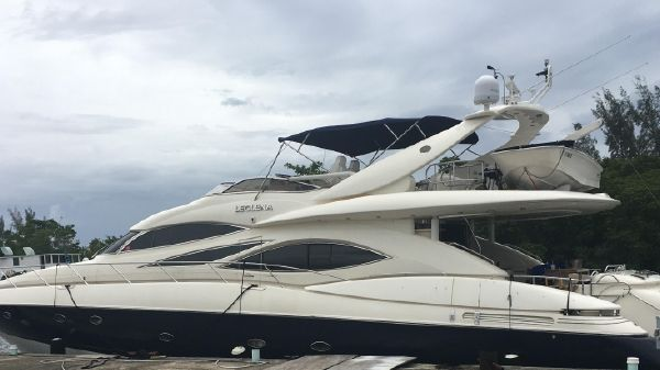 Sunseeker Manhatten