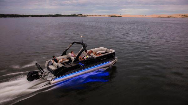 Crest Caribbean Platinum 250 SLC