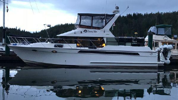 Ocean Alexander Cockpit Motor Yacht
