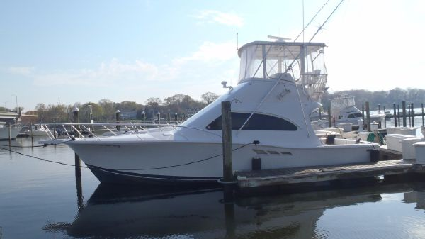Luhrs 36 Convertible Port Side Profile
