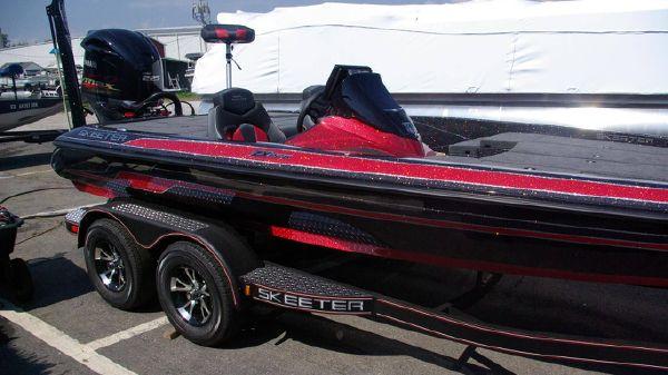 Skeeter ZX225