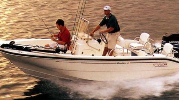 Boston Whaler Dauntless 16