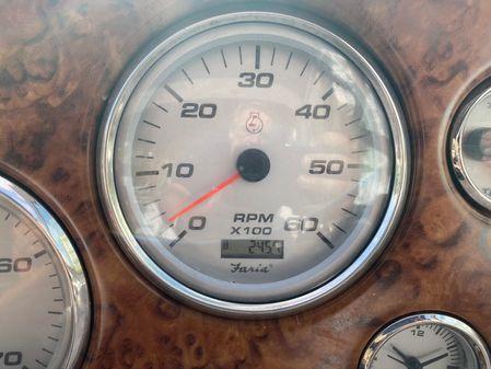 Rinker 342 Fiesta Vee image