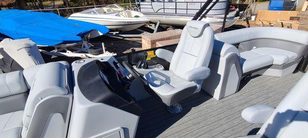 Bentley Pontoons 253 Elite Admiral image