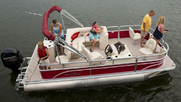 SunChaser Classic Fish 8520 4-PT Manufacturer Provided Image