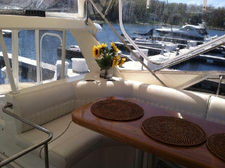 Cruisers Yachts 3750 image