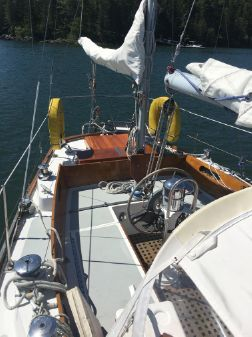 Hinckley Bermuda 40 Yawl (Hull #1292) image