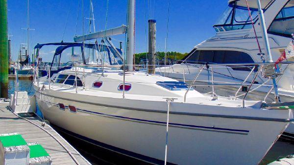 Catalina 387 In the Slip
