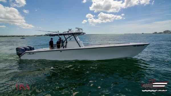 Sea Hunter 40 Center Console