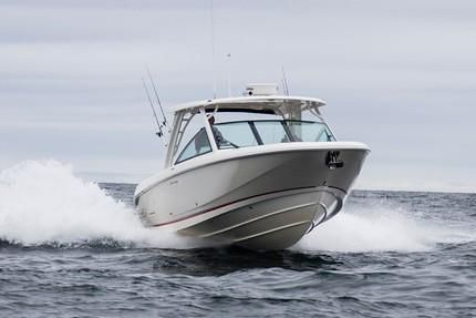 Boston Whaler 320 Vantage image
