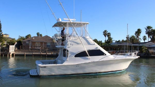 Luhrs Convertible