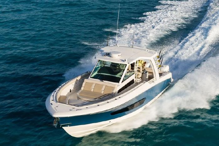 2019 Boston Whaler 420 Outrage - Gage Boats