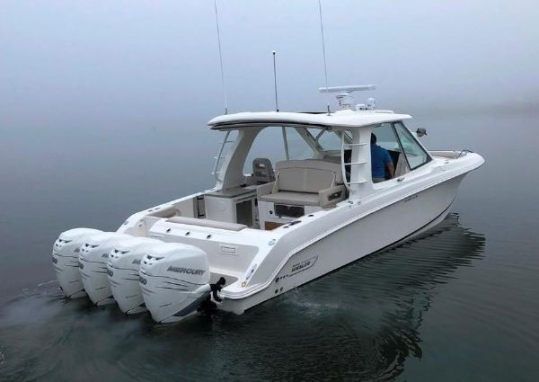 Boston Whaler 380 Realm image