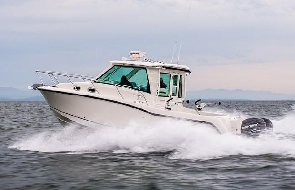 2019 Boston Whaler 315 Conquest Pilothouse