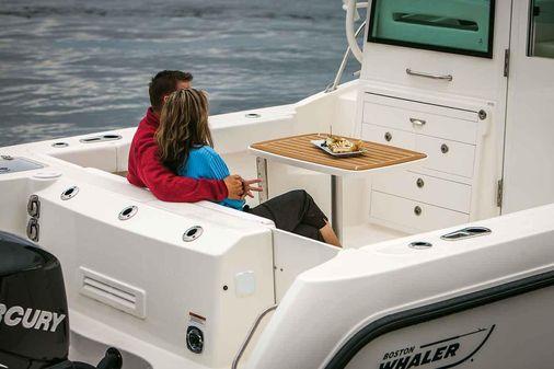 Boston Whaler 315 Conquest Pilothouse image