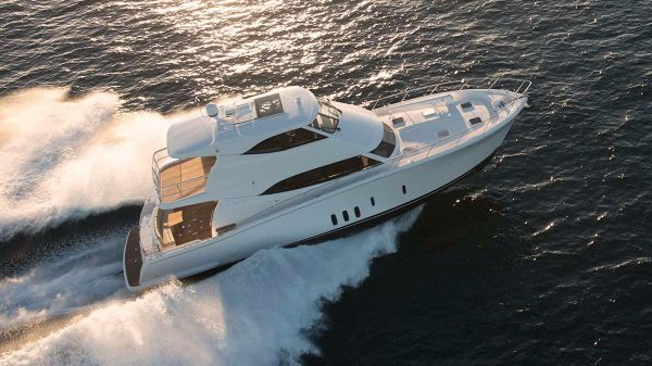 Maritimo Yachts M64 Starboard Side