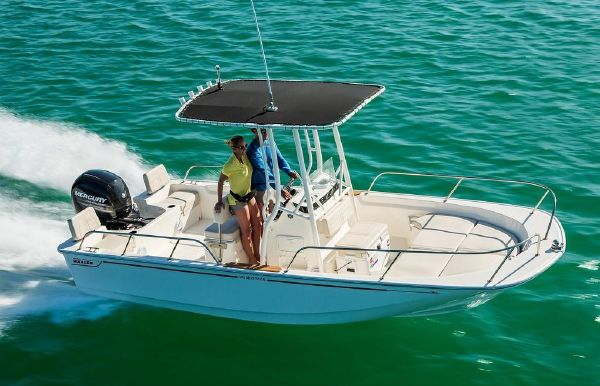 2019 Boston Whaler 190 Montauk