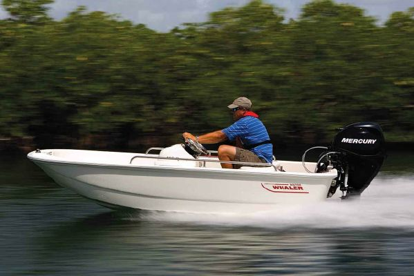 Boston Whaler 110 Sport - main image