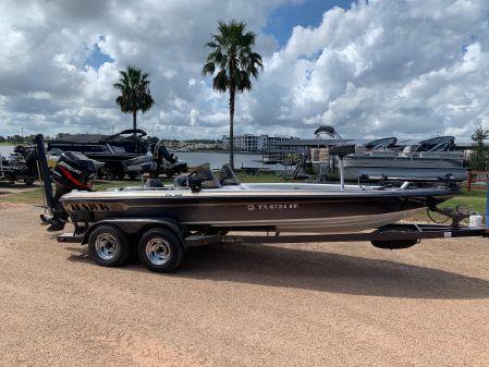 Hawk Boats Super 2100 Pro Staff image
